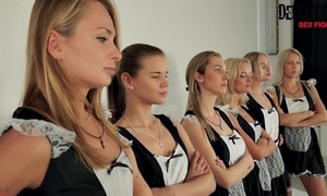 6 maids seem to be sexfight