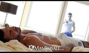 Manroyale - peeping ray receives drilled away from a dad