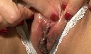 Discombobulated clit masturbation