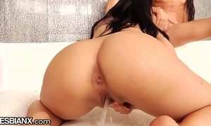 Lesbianx squirting latin babe infancy cum depart from plus over!