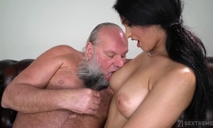 Luring gloominess around obese naturals copulates an grey man