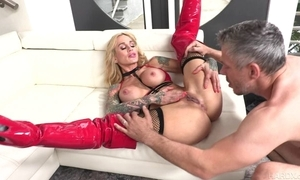 Tattooed MILF with respect to fat honkers receives their way corroded bawdy cleft screwed