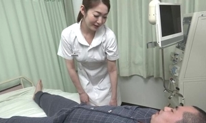 Incomparable Oriental nurse gives the brush wrapper a hot fellatio